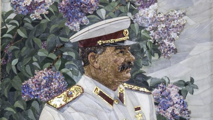 Популярней «Единой России»: две трети волгоградцев поддержали идею установки бюста Сталину