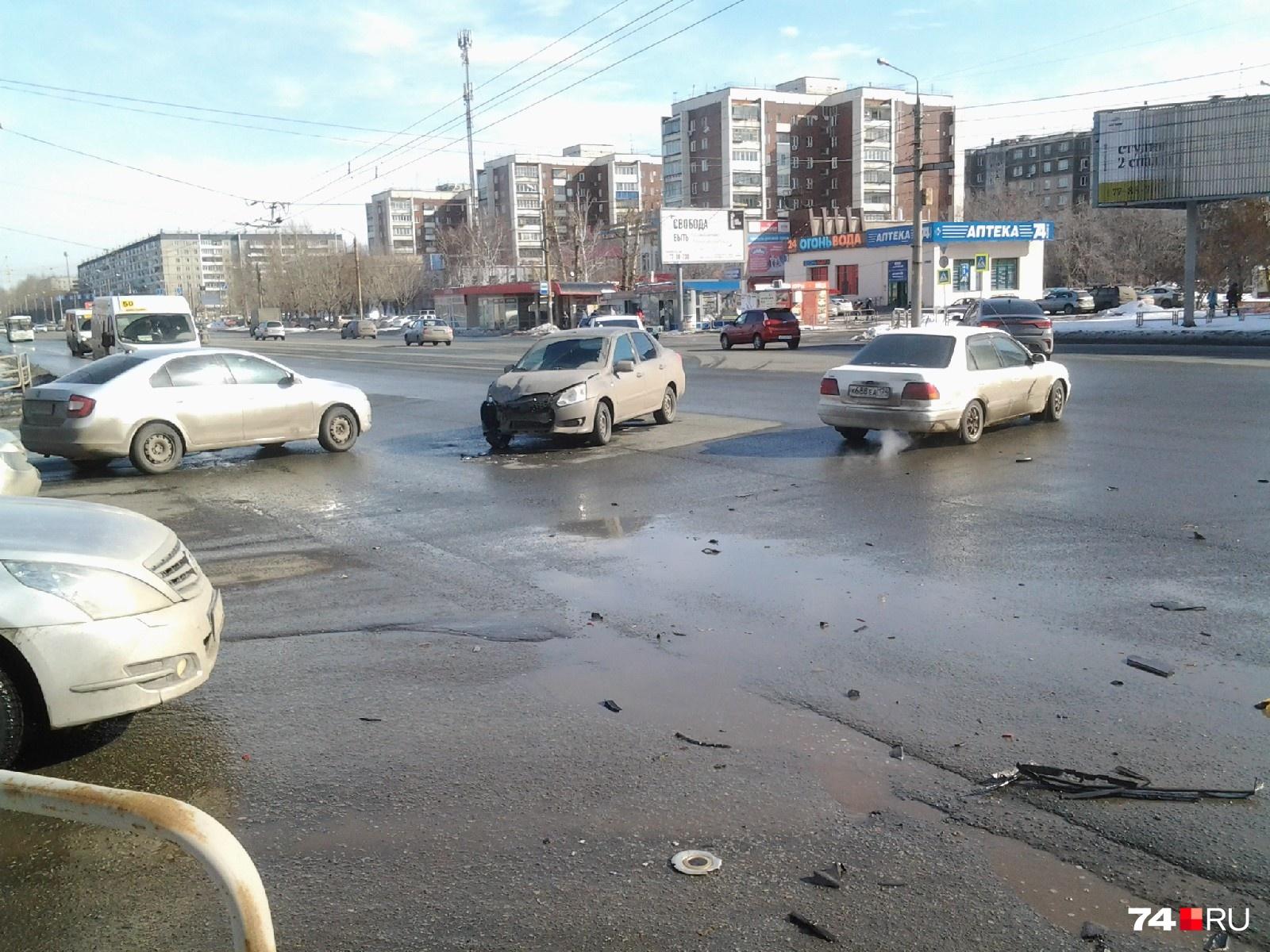 Авария произошла на перекрёстке улиц Братьев Кашириных и Чайковского