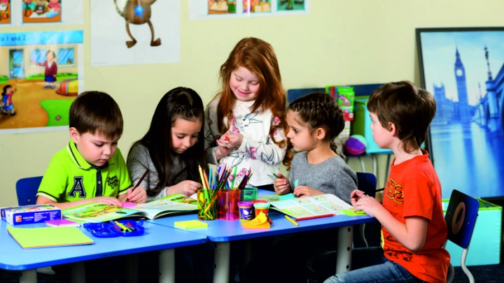 Вместо надоевших гаджетов: советы, чем занять ребенка летом