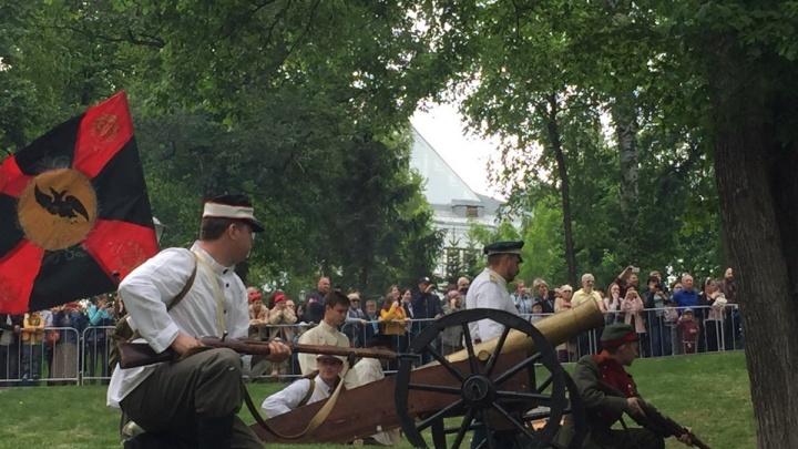 В Самаре Струковский сад превратили в поле боя