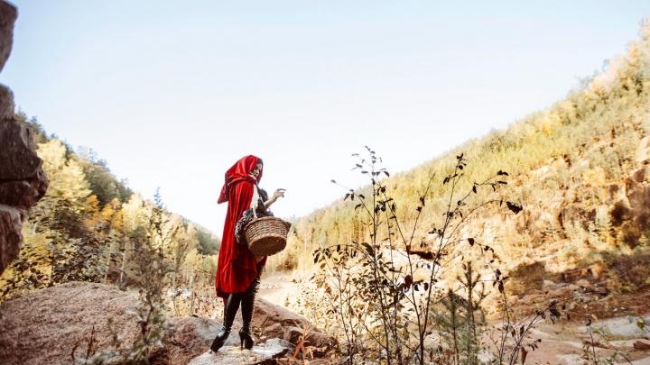Красноярская модель снялась в фотосессии в образе сексуальной Красной Шапочки