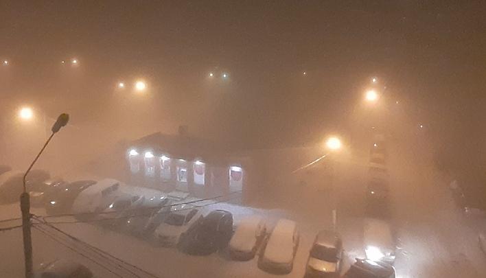 Туман vs выбросы: красноярцы спорят, отчего вечером было невозможно дышать