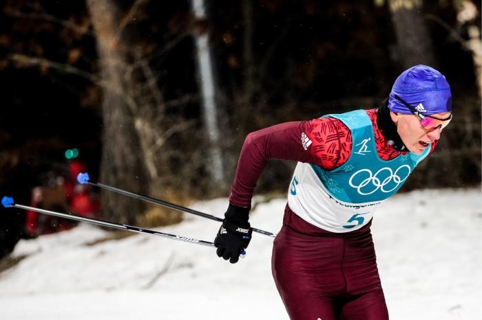 Александр Большунов во время спринта