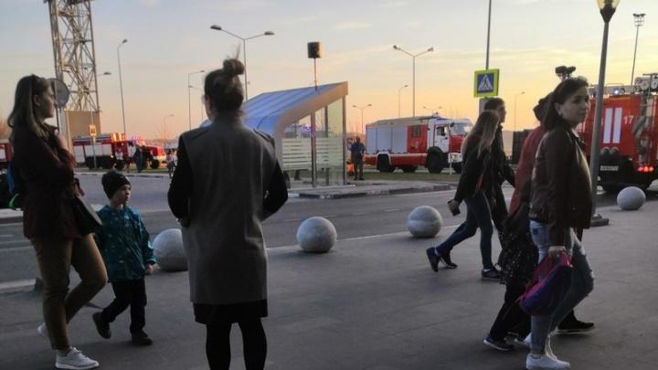 И снова эвакуация: из ТЦ «МЕГА» вывели тысячу человек