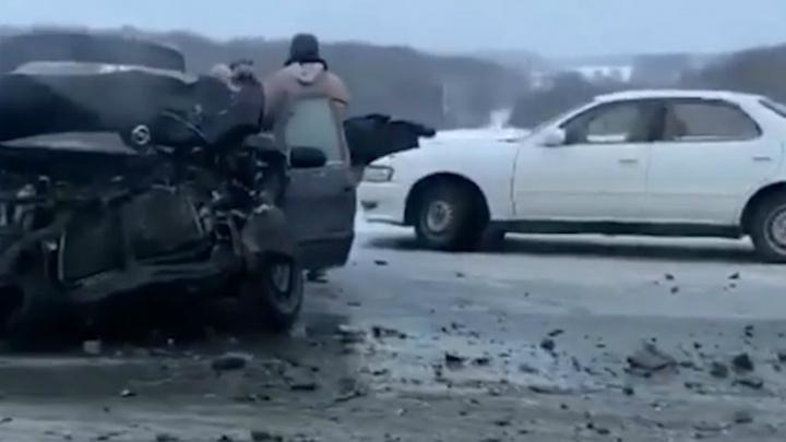 Массовая смертельная авария произошла на трассе под Уфой, очевидцы сняли видео