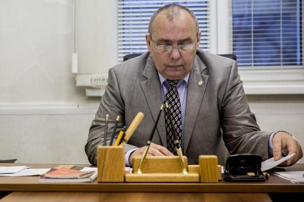 Депутаты попросили мэра уволить Андрея Каркавина