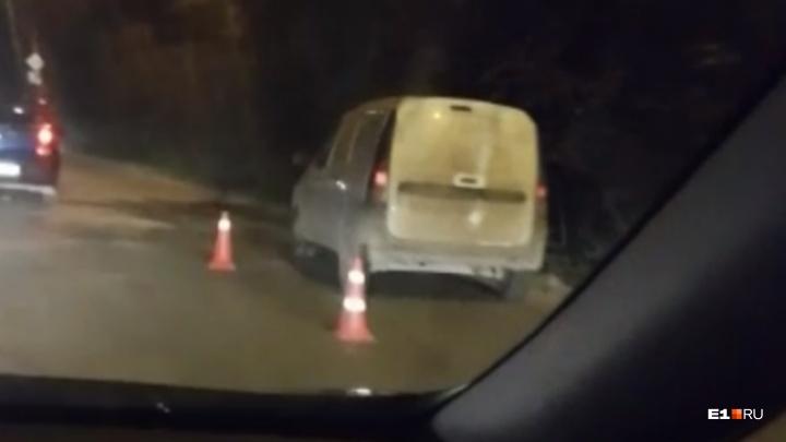 В Екатеринбурге Lada сбила пешехода, он впал в кому