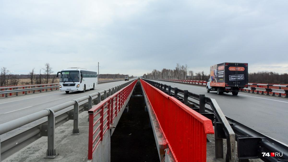 По мосту над Течей каждый день едут тысячи машин