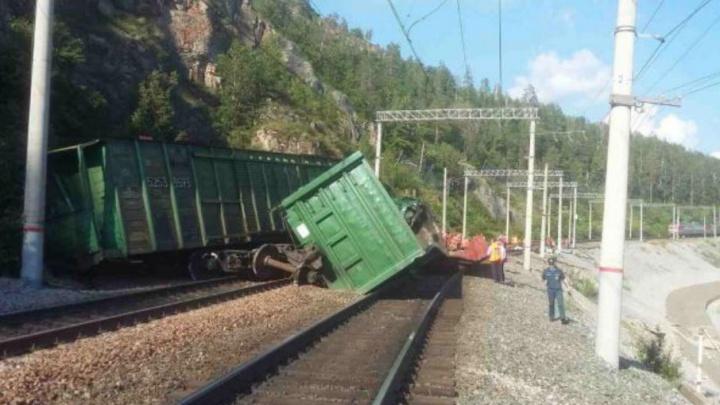 Уфимская транспортная прокуратура выяснит причины схода поезда в Челябинской области
