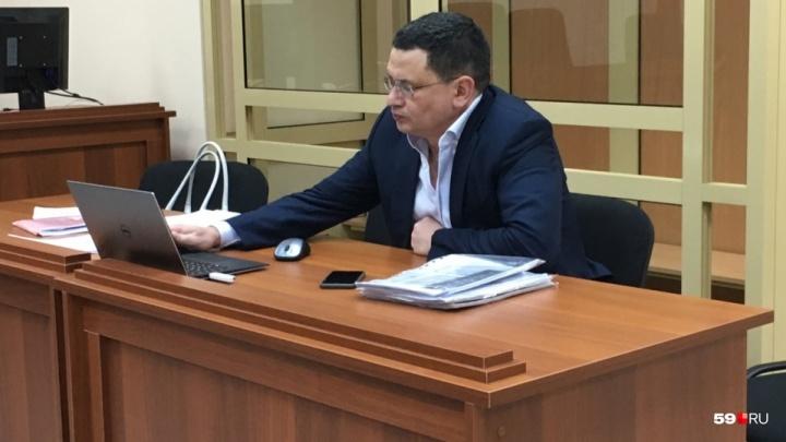 Экс-министра транспорта Прикамья Алмаза Закиева, обвиняемого в получении взятки, допросили в суде