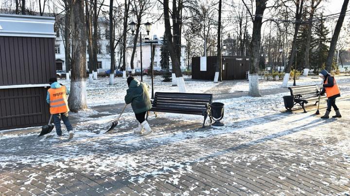 В мэрии рассказали, как зимой будут убирать пешеходные дорожки