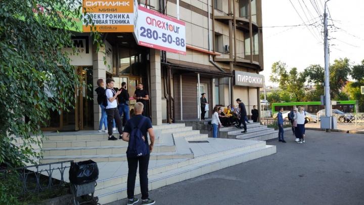 Офисный центр напротив мэрии эвакуировали из-за пожара
