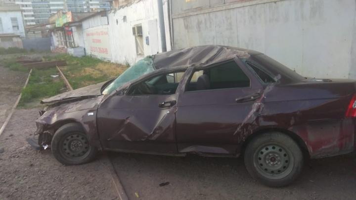 «Их бог прикрыл»: в Ростове в ДТП погиб водитель «десятки», а у пассажиров — ни единой царапины