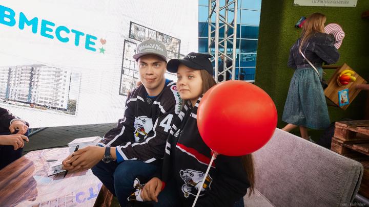 Когда застройщик любит хоккей: компания «Икар» поддержала мощный бренд Челябинска на Traktor Open