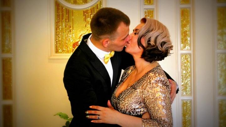Областной суд оставил в силе приговор екатеринбурженке, зарезавшей молодого мужа-футболиста