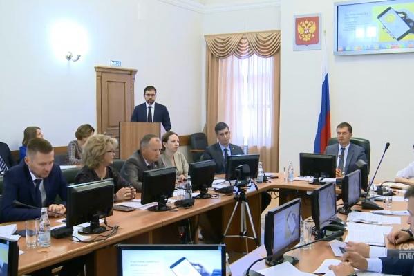 Об идее создания министерства рассказалначальник управления по молодёжной политике мэрии Ярославля Захар Кармалита