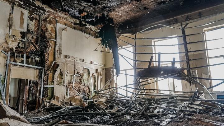 Вокзал на железнодорожной станции Мулянка загорелся из-за брошенного окурка