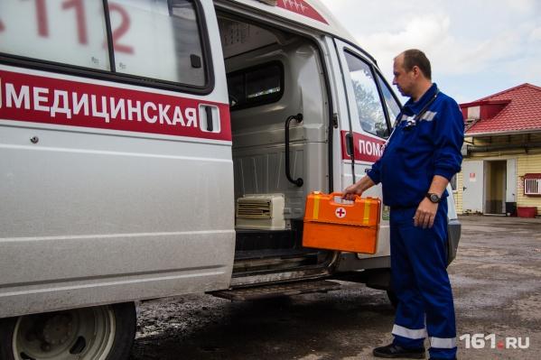 Пострадавшего на скорой помощи увезли в больницу