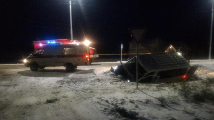 В аварии под Красноборском пострадали четверо пассажиров микроавтобуса