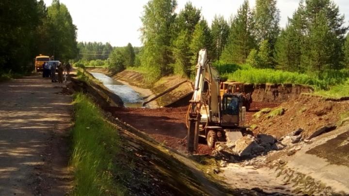 Воду в Североуральске очистят от земли и камней, но пить не разрешат