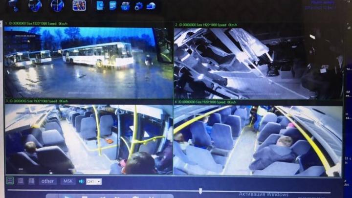 После избиения кондуктора все автобусы маршрута Архангельск — Новодвинск оборудуют видеокамерами
