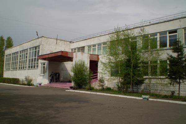Директор гимназии Марина Дюкова сегодня забрала трудовую книжку