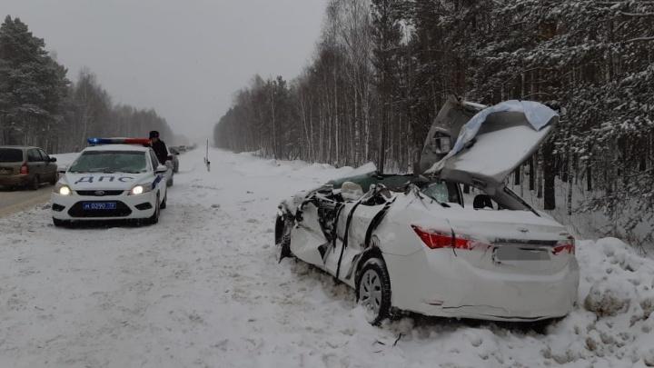 Массовое ДТП произошло на трассе Тюмень — Курган. Пострадали водитель Toyota и его пассажирка