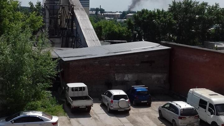 МЧС тушат пожар в «Левобережном» около 16 часов