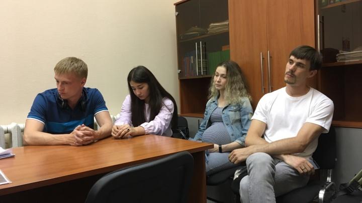 В Перми суд на три месяца закрыл кафе после массового отравления гостей и молодоженов на свадьбе