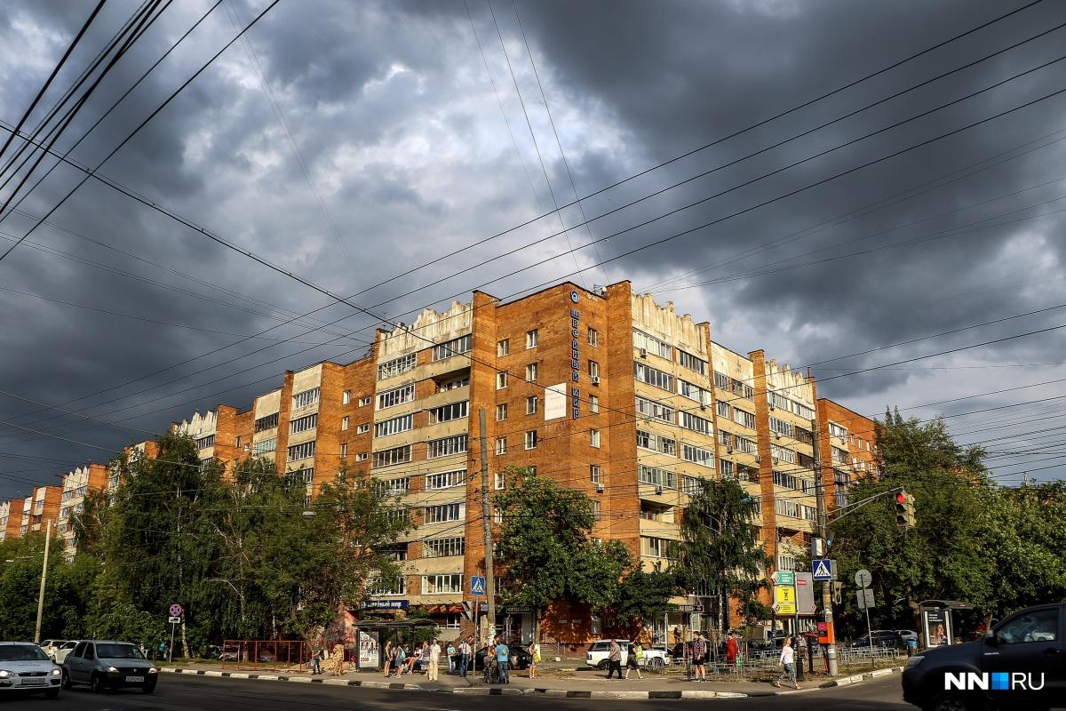 Грозовые тучи сгущаются над Нижним Новгородом