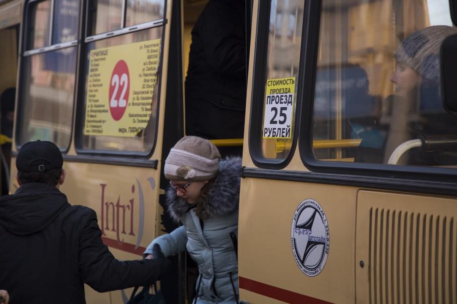 Антимонопольная служба считает, что на 27 маршрутах не имели права повышать цены без предупреждения мэрии