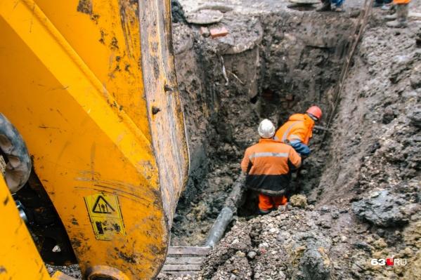 На этом участке водопровода уже проводили ремонтные работы