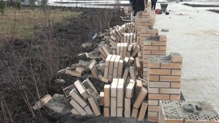 Школьники, разрушившие постаменты для бюстов на Аллее Героев и Славы: «Мы хотели проверить кладку»