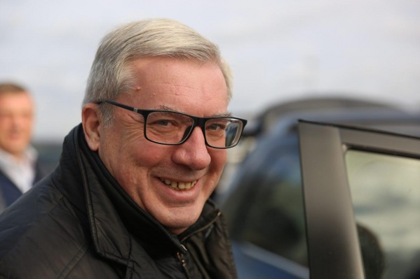 Виктор Толоконский в аэропорту Толмачёво