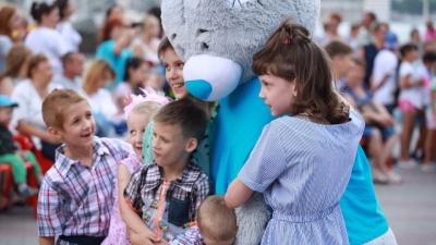 Жительница Геленджика усыновила семерых брошенных красноярских детей