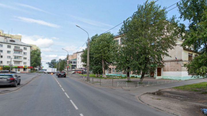 Опять чинят теплотрассу: часть улицы Шубина в Архангельске закрыли для транспорта