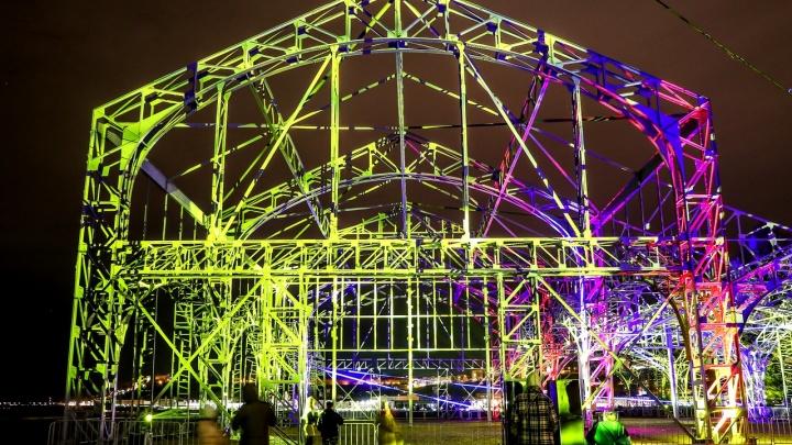 «Фестиваль взорвал город». NN.RU показывает основные инсталляции выставки медиаискусства INTERVALS