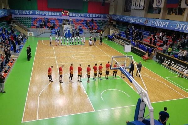 Игра проходила в новосибирском спорткомплексе