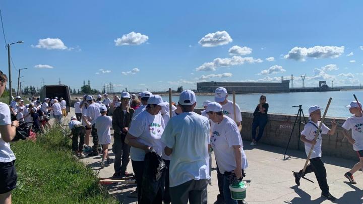 Новосибирцы собрали на набережной Обского моря 134 мешка мусора
