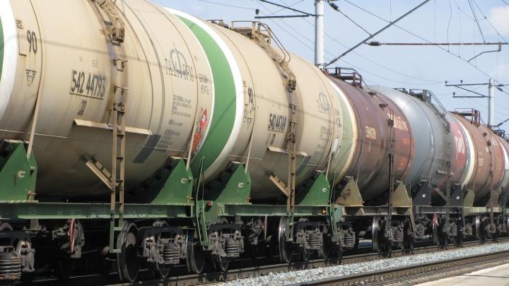 Из грузового поезда под Волгоградом произошла утечка газоконденсата