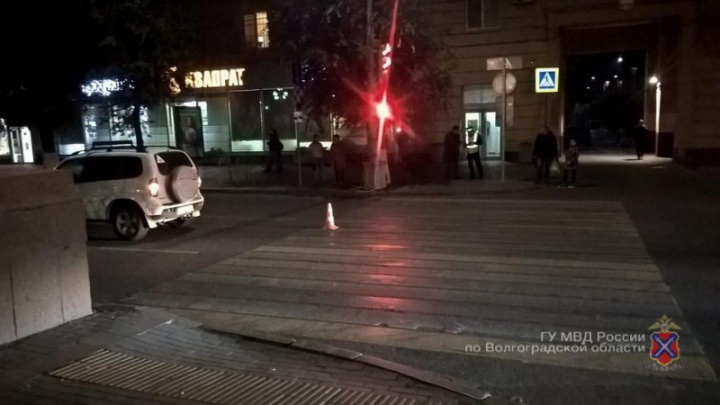 На Аллее Героев Волгограда «Нива-Шевроле» сбила женщину