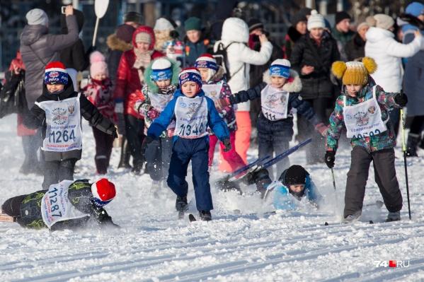 На лыжню встали несколько сотен челябинцев