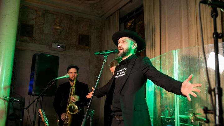Праздничный концерт Uma2rman и пасхальный флешмоб на Соборной площади: планируем выходные в Омске