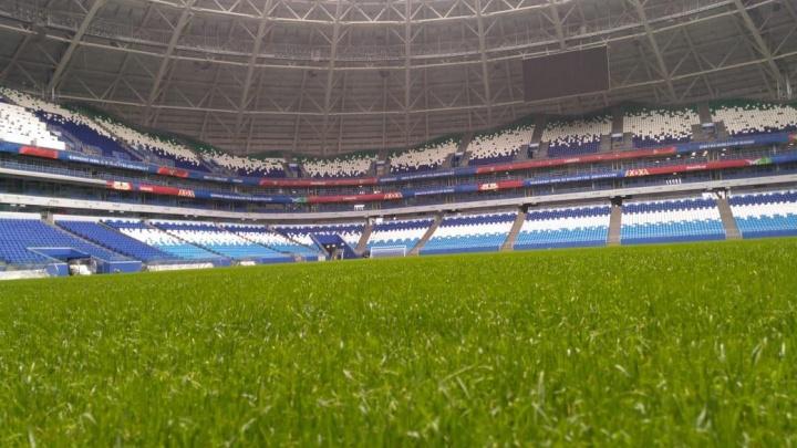 Подсветка и ветродуи: газон на «Самара Арене» готовят к играм «Крыльев Советов»