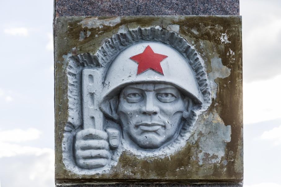 Братская могила советских солдат в Песчанке много лет находится в жутком состоянии
