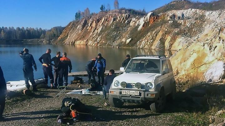 Из заброшенного карьера в Кузбассе достали тело второго новосибирского дайвера