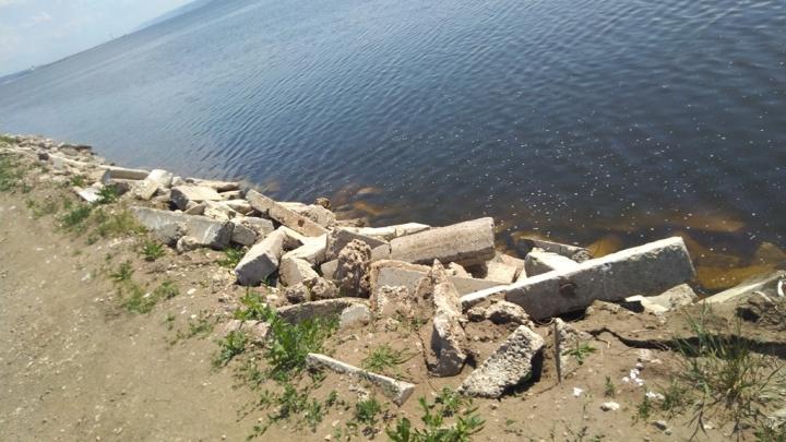 В Тольятти берег Волги завалили строительным мусором