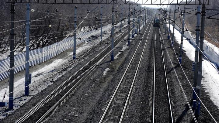 Спешила на работу: на вокзале Заводоуковска грузовой поезд насмерть сбил 37-летнюю женщину