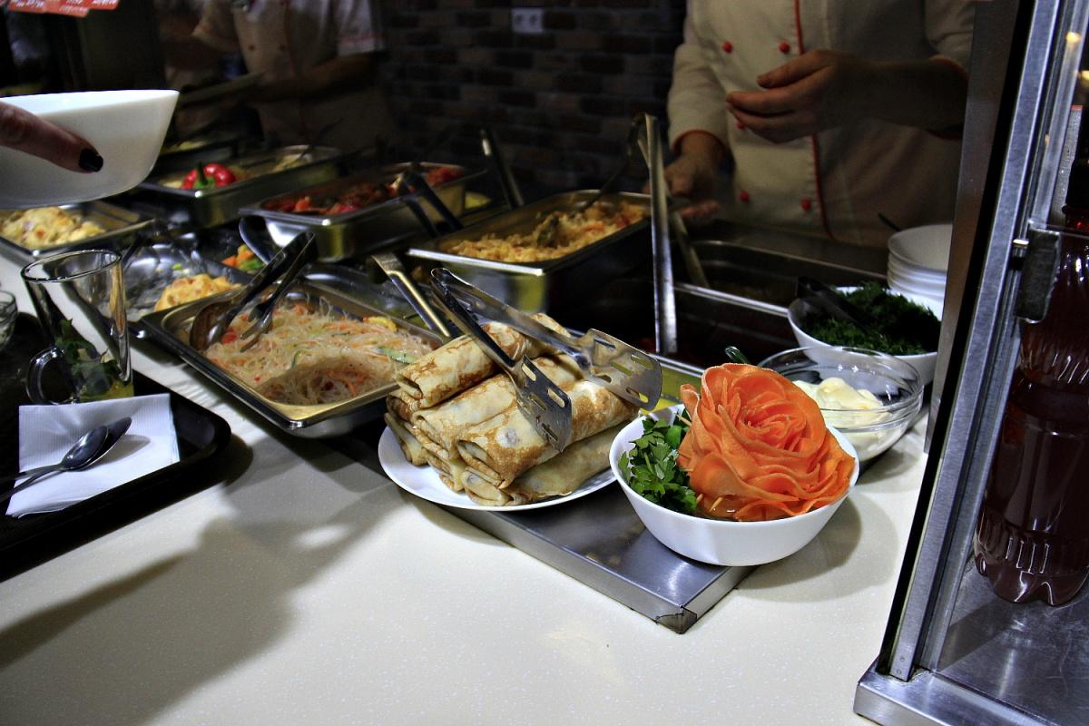 «Подсолнухи» работают в формате столовой с раздачей и самообслуживанием