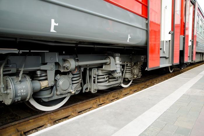 Машинист поезда объявил тревогу, когда состав почти прибыл в Новосибирск